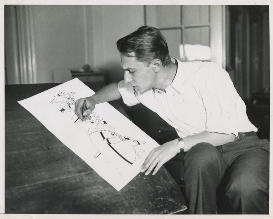 Serietecknaren Otto Soglow, med The Little King (Lille kungen).
